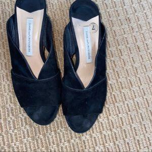 DIANE VON FURSTENBERG    black platform sandals 7
